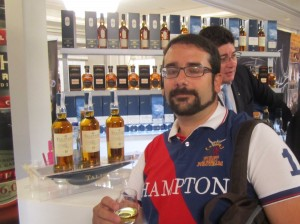 Miguel Angel Blanch enjoying Talisker 10 years old at Diageo stand