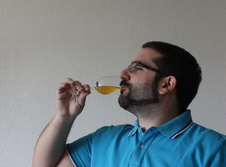 tasting-whisky-glass-sip