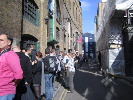 queue-whisky-show-2012-london