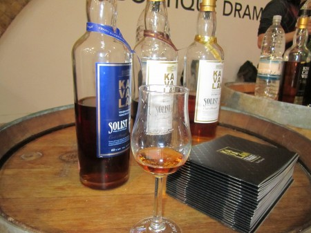 kavalan-solist-vinho-sherry-bourbon-single-cask-whisky-show-london-2012