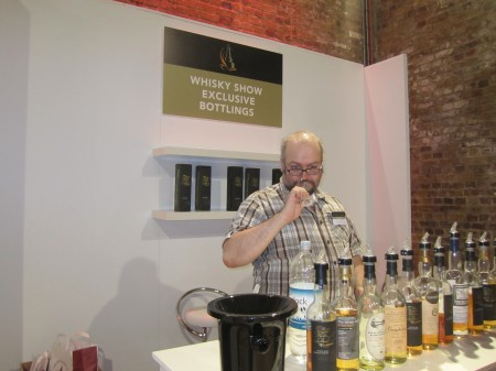 the-whisky-exchange-ledaig-6yo-whisky-show-2012-london